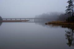 Nebelige Brücke Lizenzfreie Stockfotos