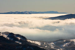 Nebelige Landschaft, Bieszczady-Berge Lizenzfreies Stockbild