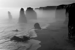 Nebelige Landschaft von zwölf Aposteln, große Ozeanstraße Stockbilder