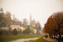 Nebeliger Herbsttag Stockfotos
