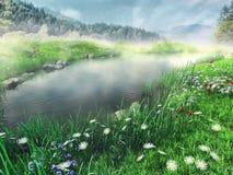 Nebeliger See in den Bergen Stockfotos