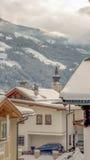Nebeliger Winter im Dorf Lizenzfreies Stockbild