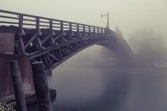 Nebeln Sie auf der Grand Canal - und Accademia-Brücke in Venedig ein Lizenzfreies Stockbild