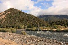 Nebenfluss in den Bergen, Montana lizenzfreie stockfotografie