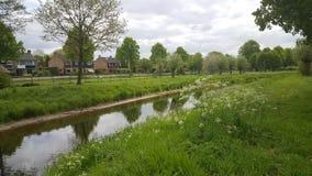 Nebenfluss in den Niederlanden stockbild