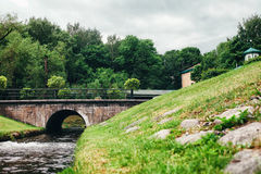 Nebenflussbrücke Lizenzfreie Stockbilder