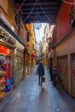 Nebenstraße von St- Mark` s Quadrat in Venedig, Italien Lizenzfreie Stockbilder