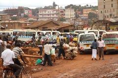 Nebenstraßeleben von Kampala Stockbilder