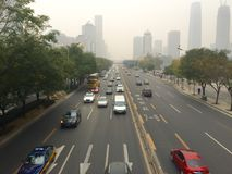 Neblina sobre la ciudad de Pekín Imagen de archivo