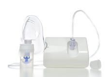 Nebulizador para el tratamiento respiratorio del asma del inhalador Imágenes de archivo libres de regalías