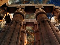 Nebulosa de Luxor Temple, de la luna y de la tarántula (elementos de esta imagen Foto de archivo