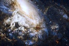 Nebulosa impressionante con le stelle nello spazio Elementi di questa immagine ammobiliati dalla NASA immagini stock libere da diritti