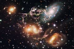 Nebulosa una nuvola interstellare dell'immagine dello spazio cosmico della polvere di stella royalty illustrazione gratis