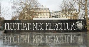 Nec Mergitur Fluctuat в Place De La Republique, Париже видеоматериал