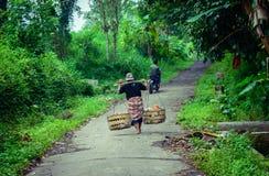 Necessidade diária da venda indonésia do pitchman foto de stock royalty free