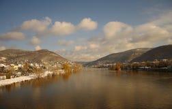 Neckar bij de winter, rivier in Heidelberg, Duitsland Royalty-vrije Stock Foto's
