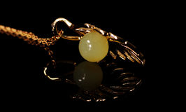 Neclace ambarino natural da prata da cera de abelha padent Foto de Stock Royalty Free