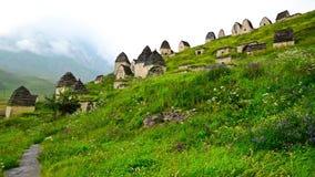 Necrópolis antigua de Alanian en Ossetia del norte almacen de video