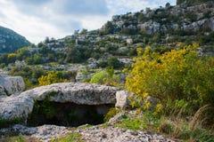 Necropoli rocciosa Fotografia Stock Libera da Diritti