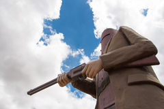 Ned Kelly criminale contro cielo blu l'australia Immagine Stock Libera da Diritti