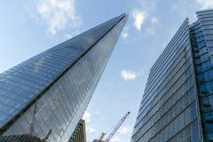 nedanför för london för byggnad den tagna höga skyskrapan stigning fotografering för bildbyråer