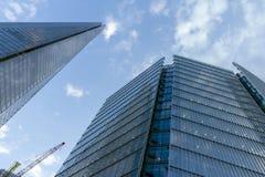 nedanför för london för byggnad den tagna höga skyskrapan stigning arkivfoton