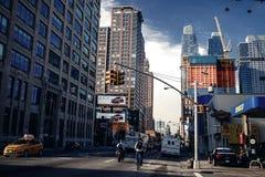 Nedanför sikt på skyskrapor i New York Arkivfoton