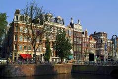 Nederländerna Amsterdam, byggnader Arkivfoton