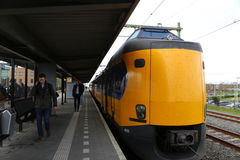 Nederländerna - 13 APRIL: Steenwijk station i Steenwijk, Nederländerna på 13 April 2017 Royaltyfria Bilder