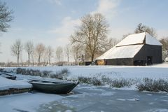 Nederländerna landskap och maler i vintertid royaltyfria foton
