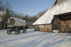 Nederland, landschappen en molens in wintertijd stock foto's