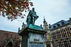 NEDERLAND, UTRECHT - OKTOBER 25, 2015: Beroemde beeldhouwwerken van oud stadscentrum op 25 Oktober, 2015 in Utrecht - Holland Royalty-vrije Stock Foto's