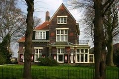 Nederlands landbouwbedrijfhuis Stock Afbeeldingen