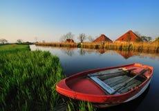 Nederlands rivierlandschap stock afbeeldingen