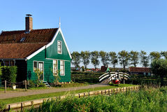 Nederlandse huis en brug in DE Zaanse Schans, Holland Royalty-vrije Stock Fotografie