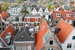 Nederlandse kanaalhuizen stock fotografie