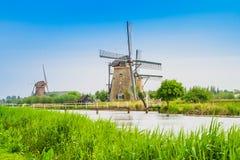 Nederlandse molens in Kinderdijk, Nederland royalty-vrije stock foto