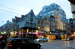 Nederlandse Stedelijke Scène, de Schemeringlicht van Utrecht, Holland Streets en Gebouwen, Reis Nederland royalty-vrije stock foto's