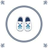 Nederlandse tegel met cloggs - typische Nederlandse schoenen Royalty-vrije Stock Afbeelding
