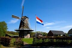 Nederlandse windmolen Stock Foto