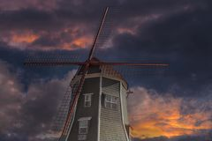 Nederlandse Windmolen in Lynden Washington State bij Zonsondergang Royalty-vrije Stock Foto