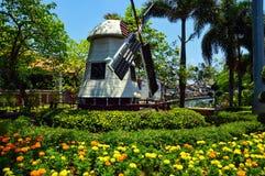 Nederlandse windmolen in Malacca, Maleisië stock foto's