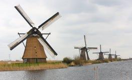 Nederlandse windmolens royalty-vrije stock foto's