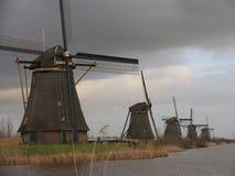 Nederlandse windmolens in Kinderdijk 1 stock foto's