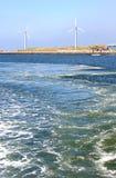 Nederlandse windmolens langs de Kust van de Noordzee Royalty-vrije Stock Afbeeldingen