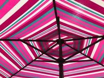 Nedersta sikt av det färgrika paraplyet Royaltyfria Foton