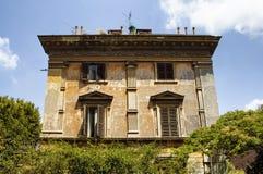 Nedersta sikt av det traditionella huset Arkivfoton