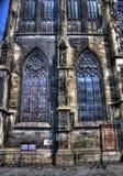 nedfläckada stephen för kyrklig saint för exponeringsglas s fönster Arkivbilder