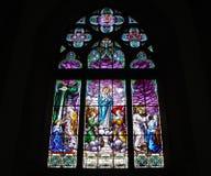 nedfläckadt fönster för kyrkligt exponeringsglas Royaltyfria Foton