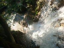 Nedgång från vattenfallet arkivbilder
